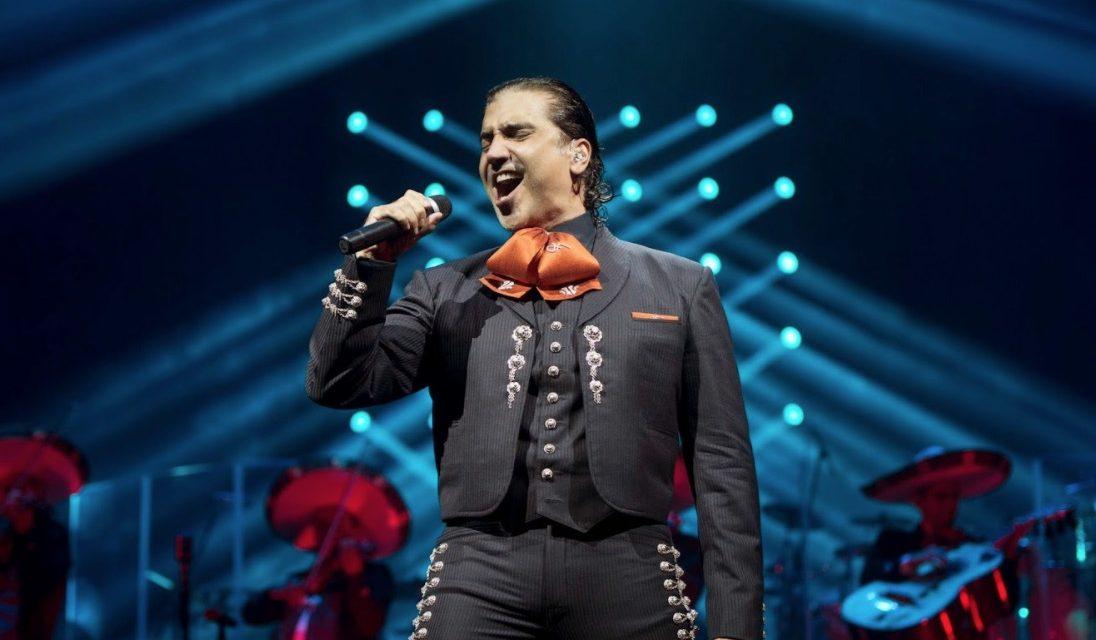 Alejandro Fernández demanda a Luis Miguel por cancelar gira conjunta.