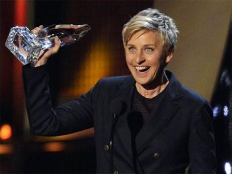Brillan estrellas en los People's Choice Awards