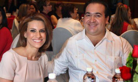 Karime Macías, la esposa del ex mandatario, sigue en completa libertad viviendo en Europa.