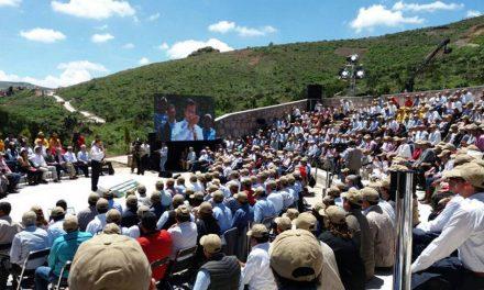 """""""Soy el primero en asumir plenamente mi responsabilidad de mis decisiones"""", Enrique Peña Nieto."""