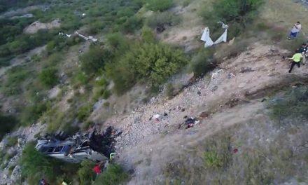 Choque entre tráiler y autobús de pasajeros en carretera de Tamaulipas