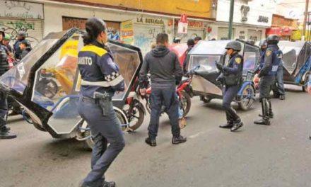Operativo policial en Xochimilco ocasiona enfrentamiento entre oficiales y mototaxistas