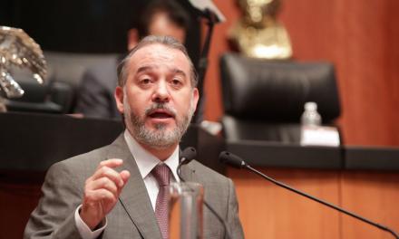 El procurador Raúl Cervantes registró un Ferrari en una casa de interés social en Morelos