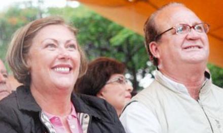 #robocomograco, el HT para el Gobernador de Morelos y su esposa Elena Cepeda