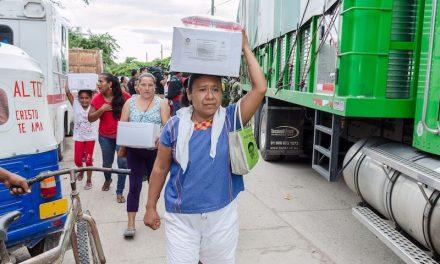 Oportunismo al condicionar la ayuda humanitaria entregándola únicamente a las personas cercanas al gobierno y los partidos políticos: Oaxaca