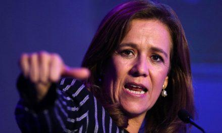 AMLO busca panistas que se sumen a su campaña, Margarita Zavala critica llamado.