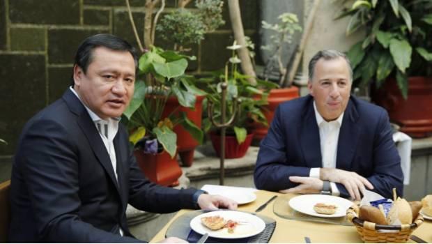 """Se reúnen Meade y Osorio Chong en """"Desayuno de Unidad"""""""