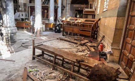 Ataque terrorista en Egipto deja 200 muertos.