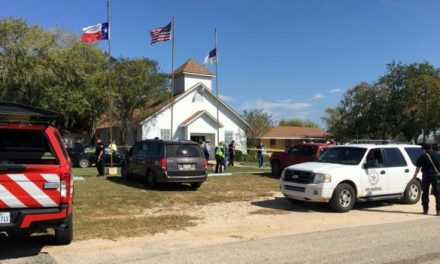 26 muertos en tiroteo dentro de Iglesia en San Antonio, Texas.