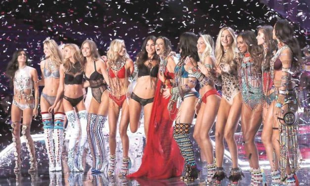 Despliegan sus alas Ángeles de Victoria Secret en China