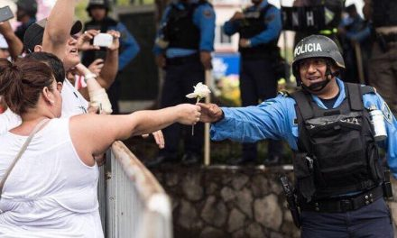 HUELGA DE POLICIAS POR ELECCIONES PRESIDENCIALES EN HONDURAS