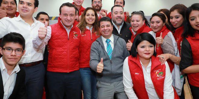 SANDRA VACA, SUPUESTA OPERADORA DE RED DE PROSTITUCIÓN EN PRI CAPITALINO, APARECE EN CAMPAÑA DE MIKEL ARRIOLA.