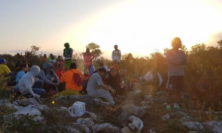 RESCATAN A 32 CORREDORES EN EL CERRO DEL TOPO CHICO EN NUEVO LEÓN