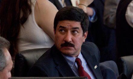 Javier Corral acusa ante medios, represión de Gobierno Federal por investigaciones a Cesar Duarte. Extracto: