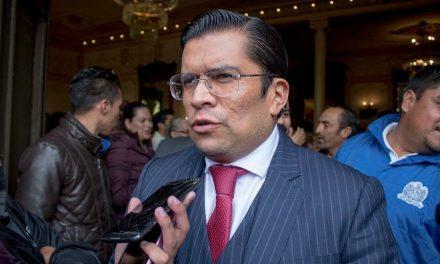 Marcos Ibarra se registró como pre candidato del PRI a la alcaldía de Zacatecas.
