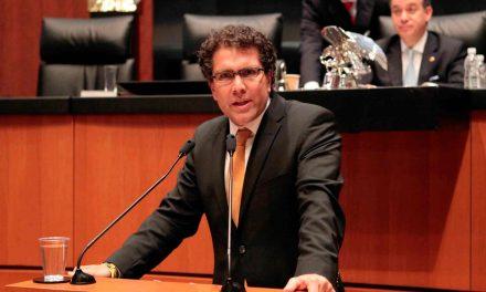 Armando Ríos Piter llama a los independientes a unir fuerzas para competir contra partidos políticos.