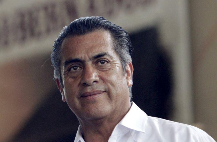 Bronco agotará instancias legales ante INE para lograr candidatura independiente.