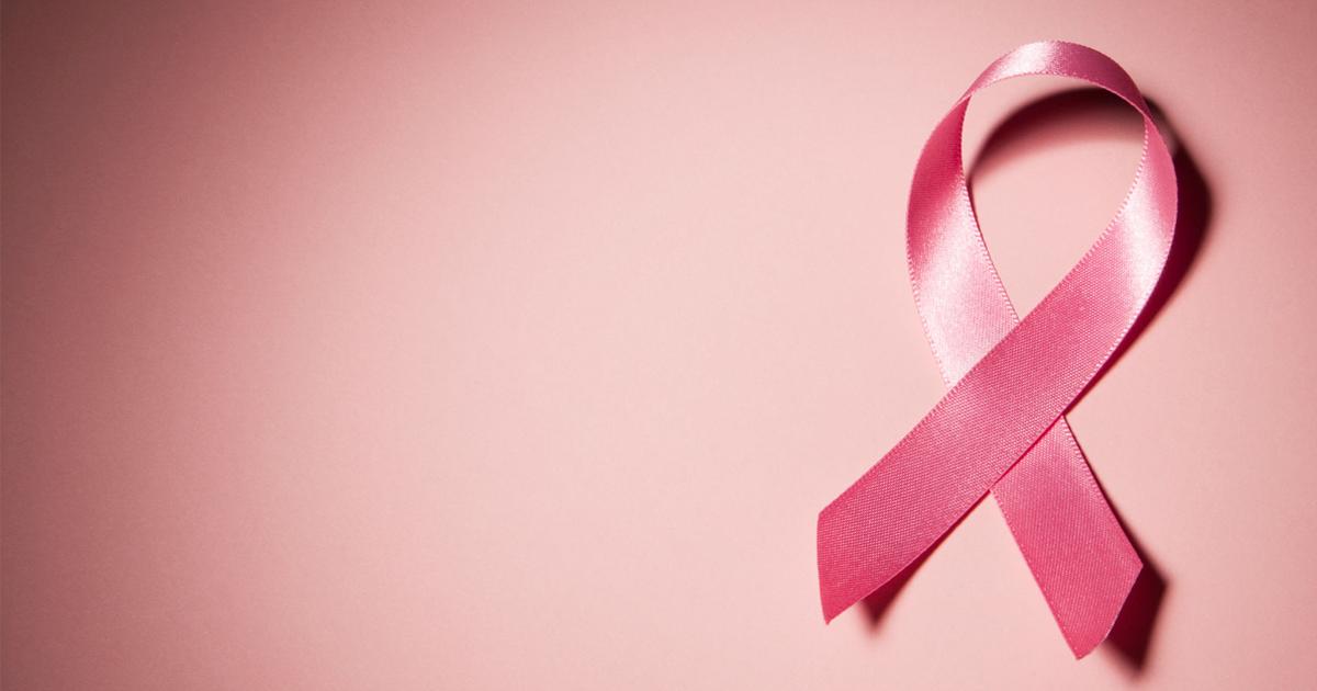 Autos rosas en prevención contra el cáncer
