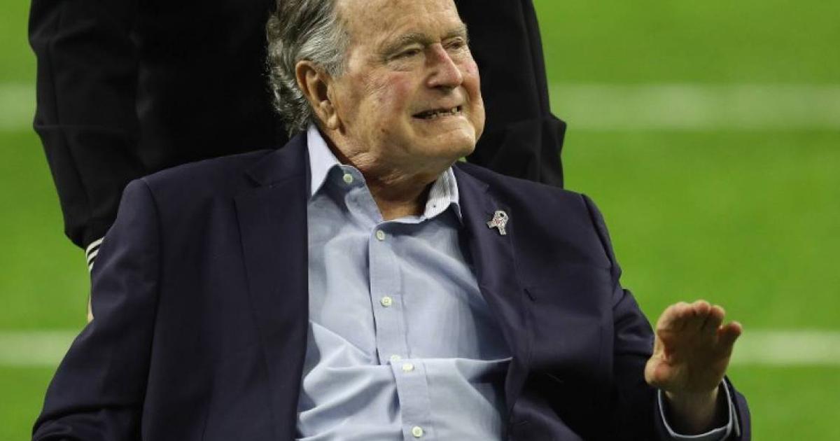 Padre de Bush, hospitalizado
