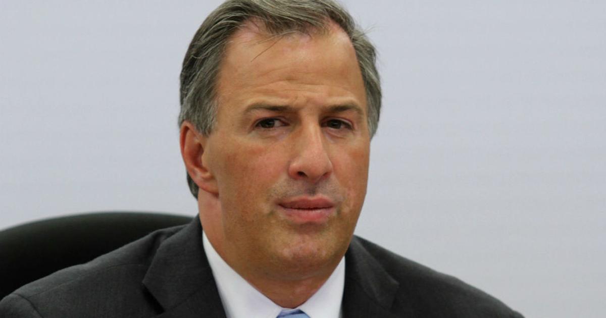 Meade invita a Ríos Piter a su campaña.