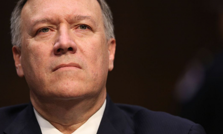 Confirman a Mike Pompeo como Secretario