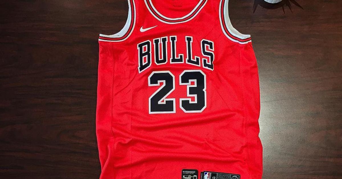 NBA relanzará camiseta de Michael Jordan