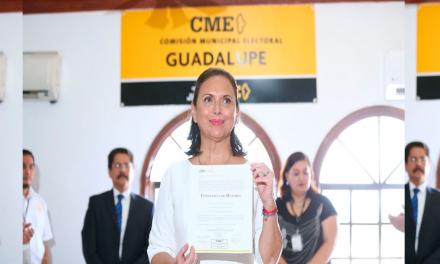 Entregan constancia de Alcaldesa a Cristina Díaz