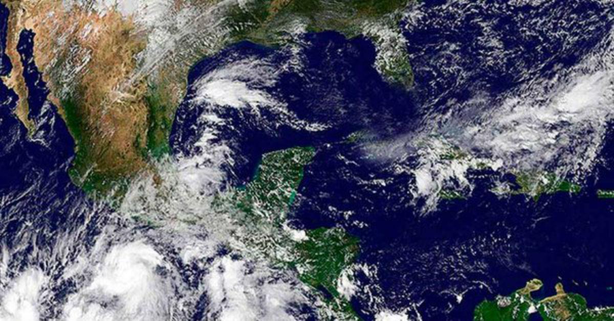 Tormentas 'John' e 'Ileana' avanzan por el suroeste de México