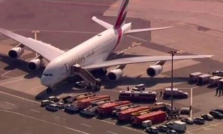 En cuarentena avión procedente de Dubai