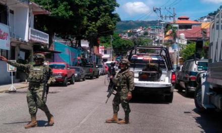 El Ejército y la Marina toman el control de la Policía de Acapulco