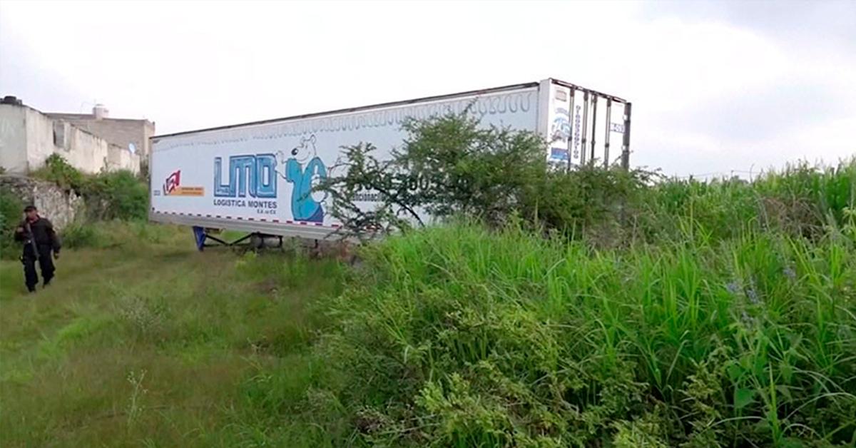 Tráiler con 150 cadáveres recorre calles de Jalisco
