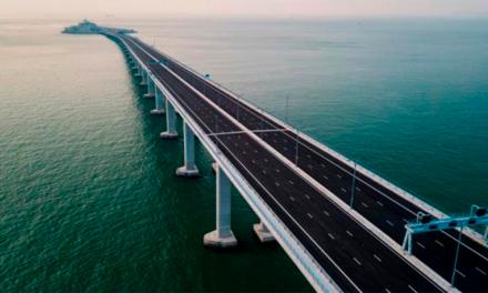 Inauguran el puente más largo del mundo en China