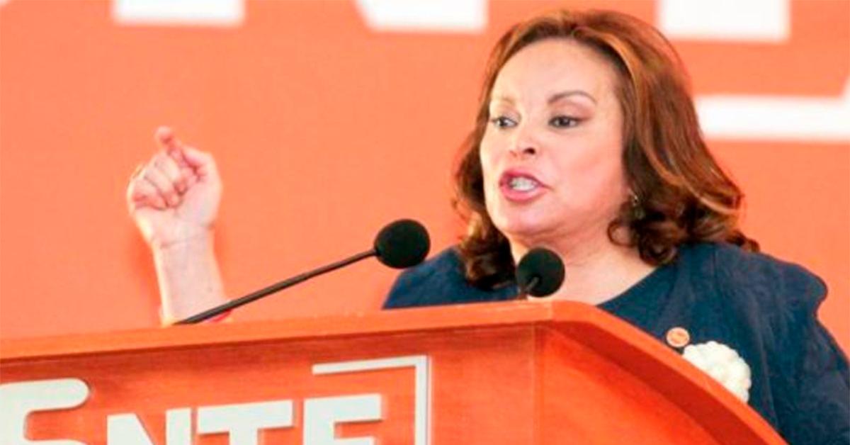 Sigo siendo la presidenta del SNTE: Elba Esther a maestros