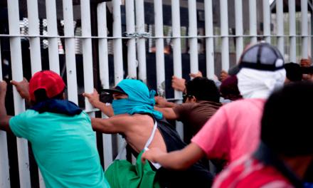 EU envía barreras de seguridad por caravana