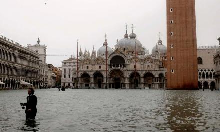 Venecia se hunde más