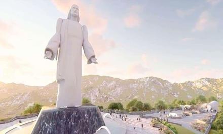 Cristo monumental en Santiago