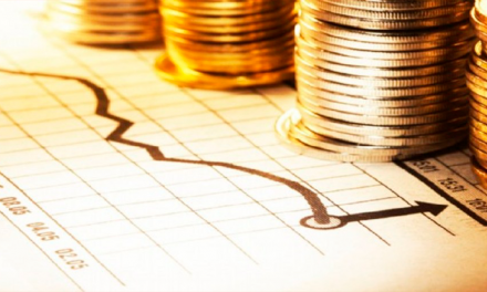 Salario mínimo aumentará a 102 pesos en enero