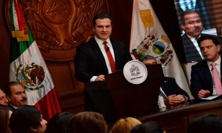 Adrián de la Garza toma protesta como alcalde de Monterrey