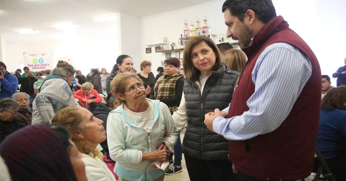 Lleva Cristina brigada médica a adultos mayores