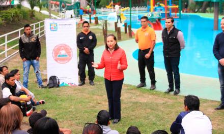 Salvavidas de parques de Guadalupe se capacitan en rescate acuático