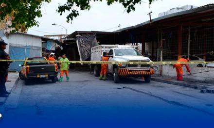 Desalojan a puesteros de calles aledañas a Pulga Mitras