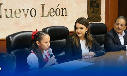 ACUERDAN NIÑOS ACCIONES EN PRO DEL MEDIO AMBIENTE EN FORO #YORESPIROESCOBEDO