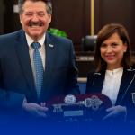 Recibe Cristina Díaz las llaves de laredo, Texas