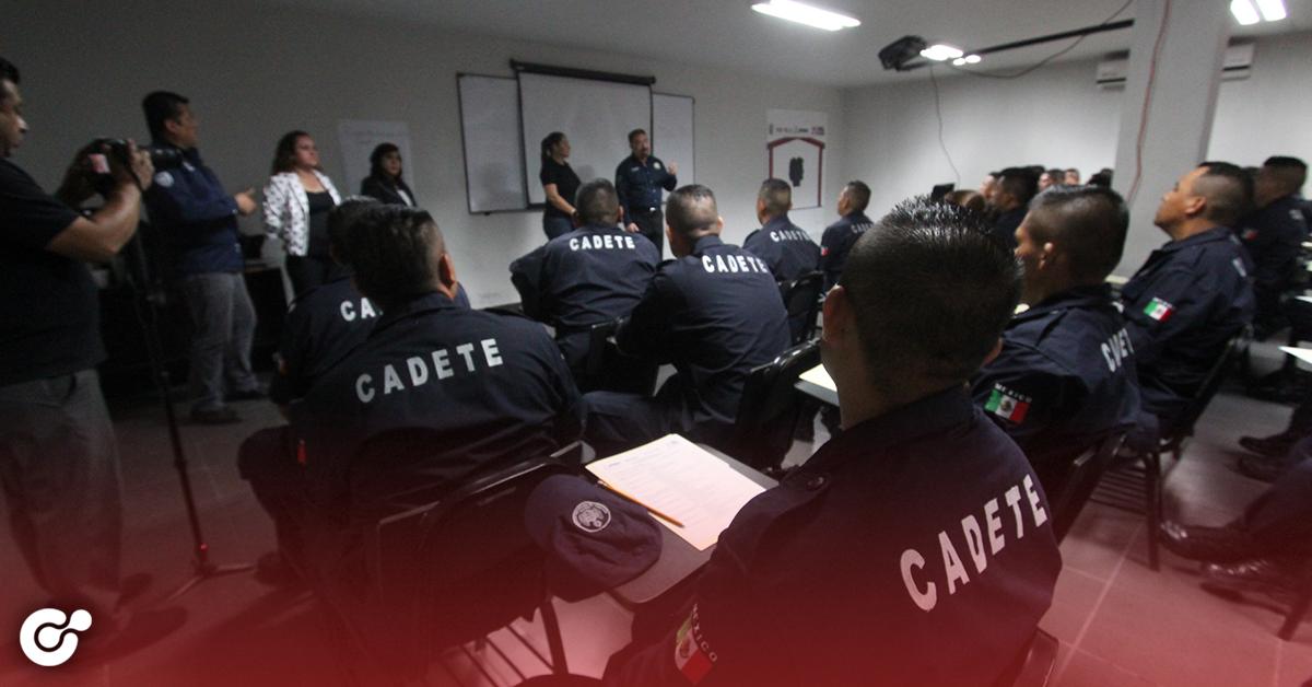 Especializan a policías de Apodaca en atención a la mujer