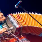 ¡Adiós al rebelde del acordeón! Murió Celso piña a los 66 años