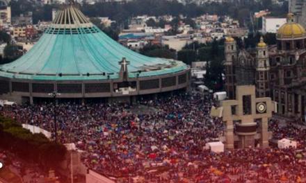Llegan miles de peregrinos a visitar a la morenita