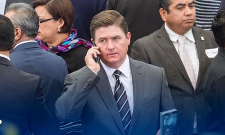 UIF investiga a exgobernador Medina