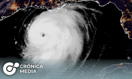 """El huracán """"Laura"""" se convirtió en categoría 3 y avanza por aguas del Golfo de México"""