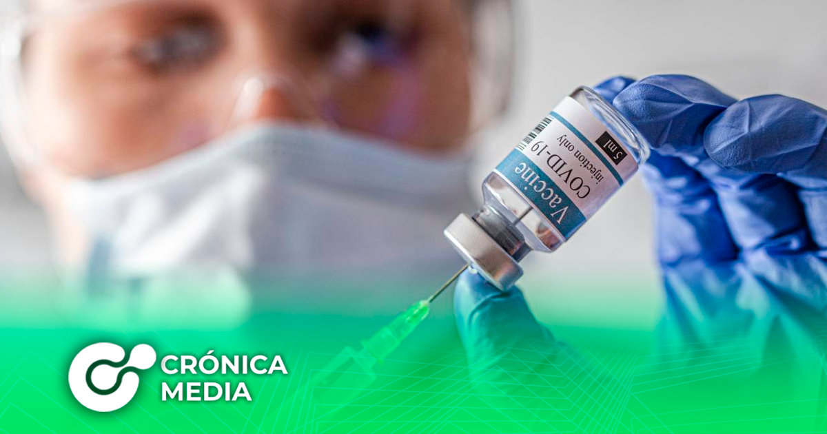 AstraZeneca detiene ensayos de vacuna de Covid-19