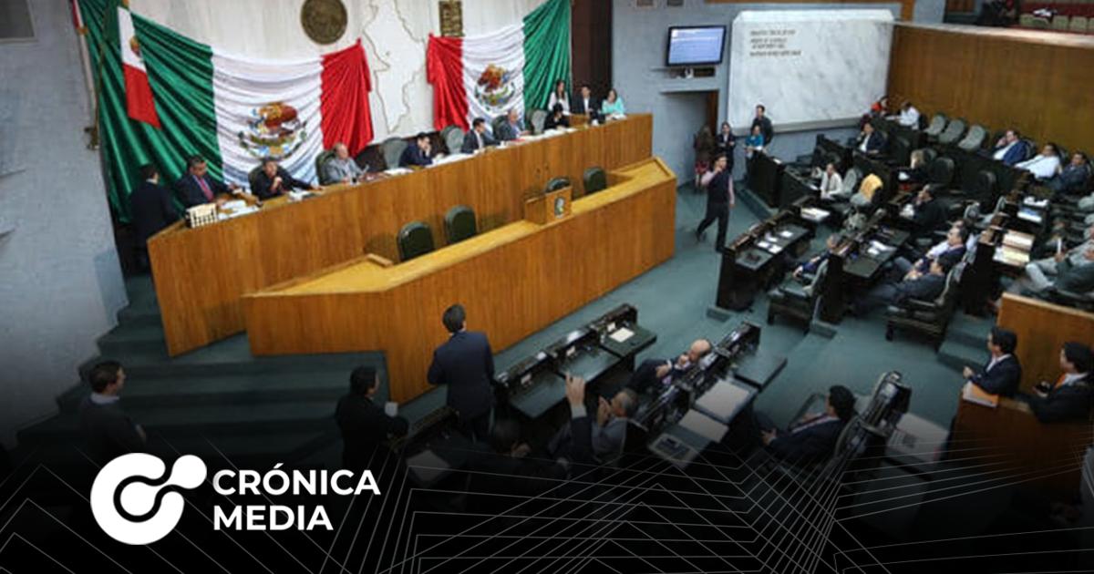 Tribunal solicita destituir a 42 diputados en Nuevo León